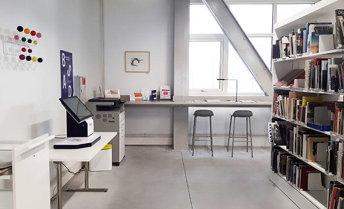 IMD Education - Ecole beaux arts Nantes, bureaux réglables en hauteur