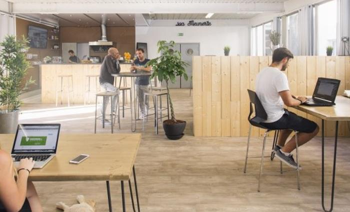 IDM Education - Espaces de travail collaboratif - Bureaux bois