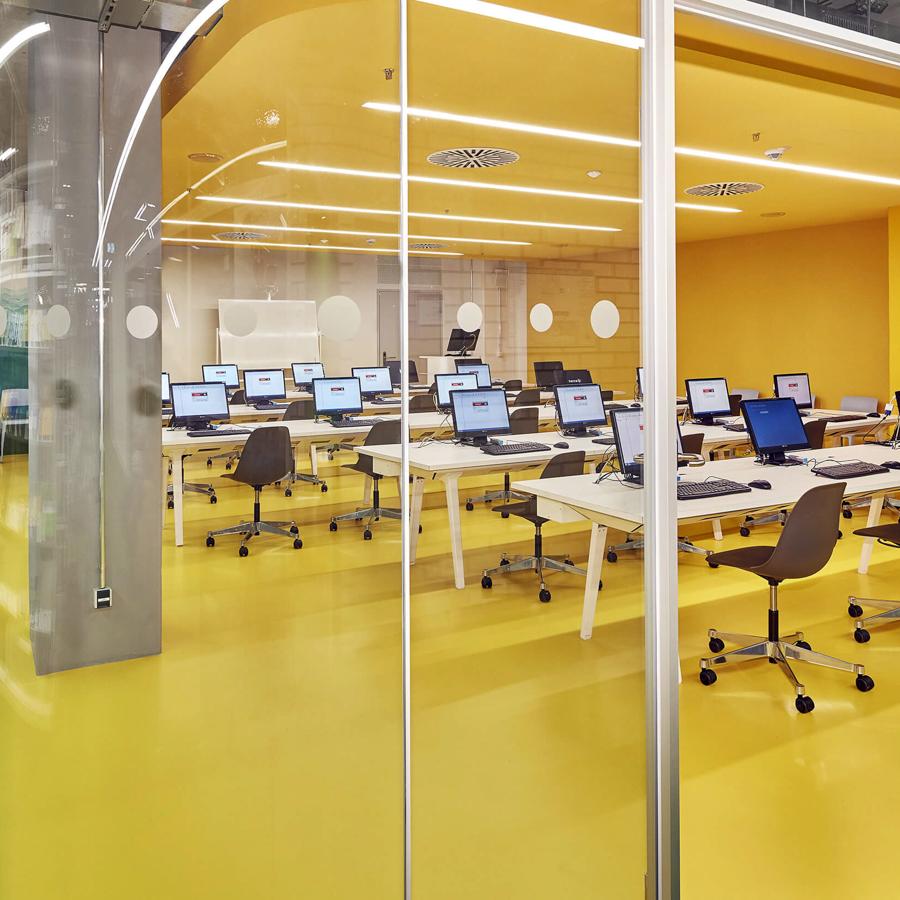 IDM Education - Learning Center - bureaux et informatique